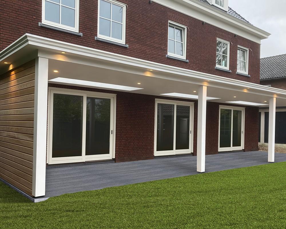 Luxe witte veranda aan huis